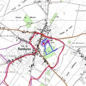 En rouge, une balade d' environ 4 km autours de Rambures En bleu, la balade dans le parc